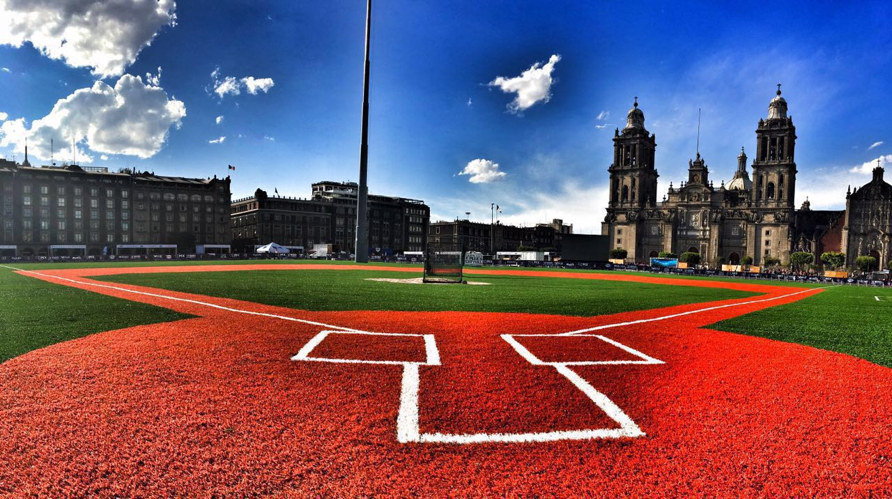 Campo Beisbol pasto sintetico